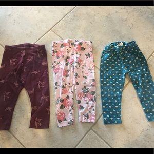 Set of 3 leggings.